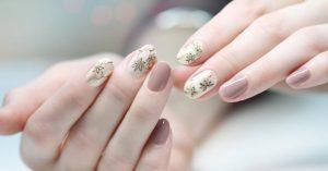 Reconstruction des ongles en gel: comment procéder et quels sont les avantages