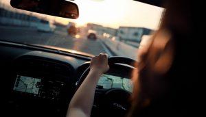Avantages et inconvénients de l'assurance auto jeune conducteur